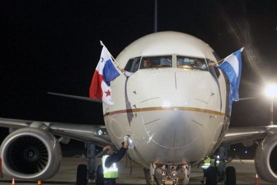 Mendoza le dio la bienvenida al primer vuelo desde Panamá