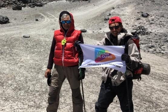 Tres lujaninos hicieron cumbre en el volcán más alto del mundo