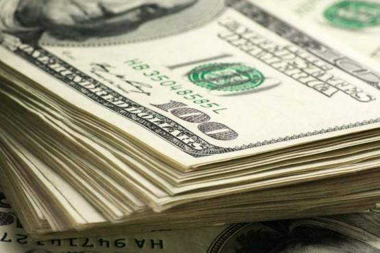 Dólar intervenido: inflación mata flotación
