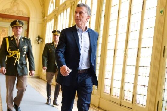 Macri convocó a