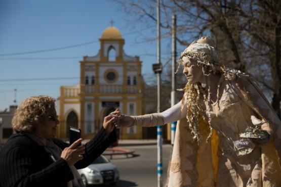 Extienden plazo para participar del Festival de estatuas vivientes