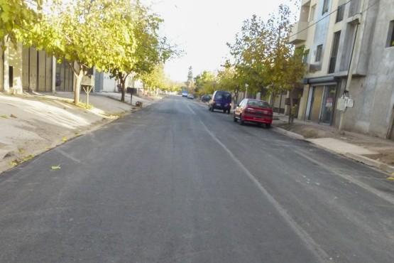 Asfalto nuevo para la calle Ernesto Sábato