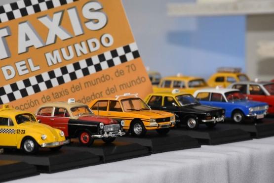 Exposición de Autos a Escala en Guaymallén