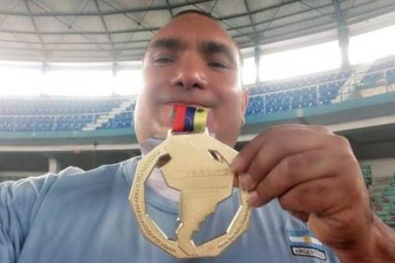 Campeón Sudamericano de fuerza en banco