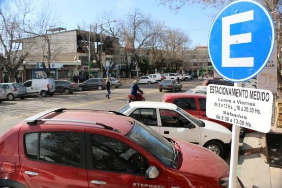 Estacionamiento medido en la zona de boliches de Chacras de Coria