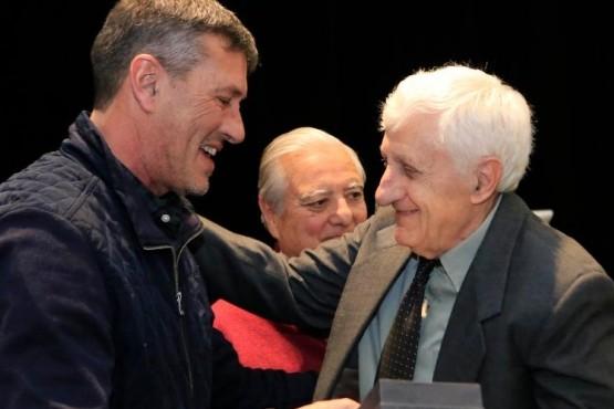 Reconocimiento a médicos con más de 40 años de trayectoria