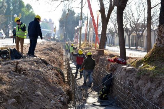 Avanza la construcción del canal sobre calle Tirasso