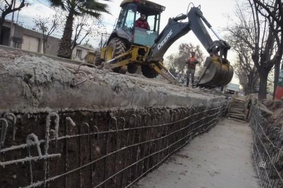 Avanza el nuevo sistema de drenaje en calle Libertad