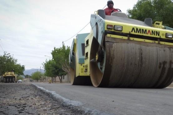 Así es el asfalto nuevo de calle Las Rosas