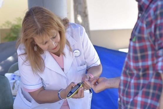 El rol de la familia en la prevención y tratamiento de la diabetes.
