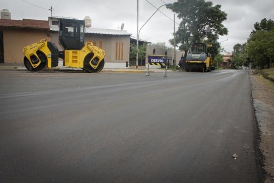 Una nueva carpeta asfáltica en calle Elpidio González