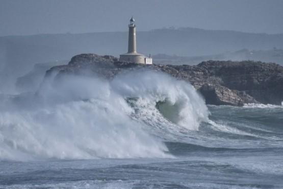 Aumenta la potencia de las olas por el calentamiento global