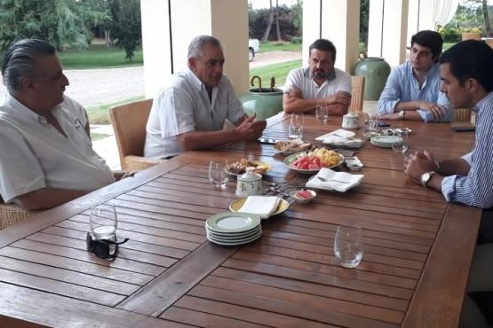 Urtubey en Mendoza se reunió con el sector del campo
