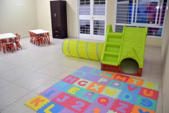 """Nuevo hogar para los niños del jardín maternal """"Cumelén"""""""