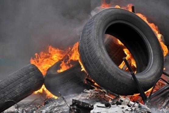 Prohibición en la quema de neumáticos