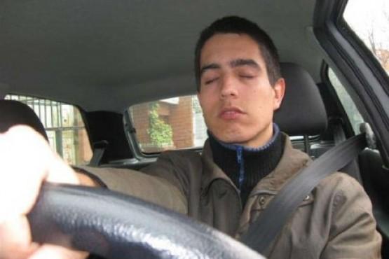 Peligros al conducir con sueño
