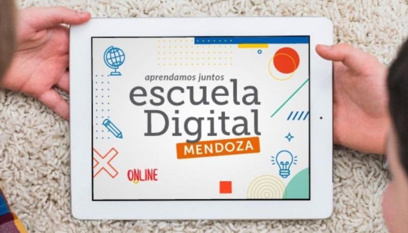 Más de 220.000 estudiantes y docentes comparten las clases a través de aulas virtuales