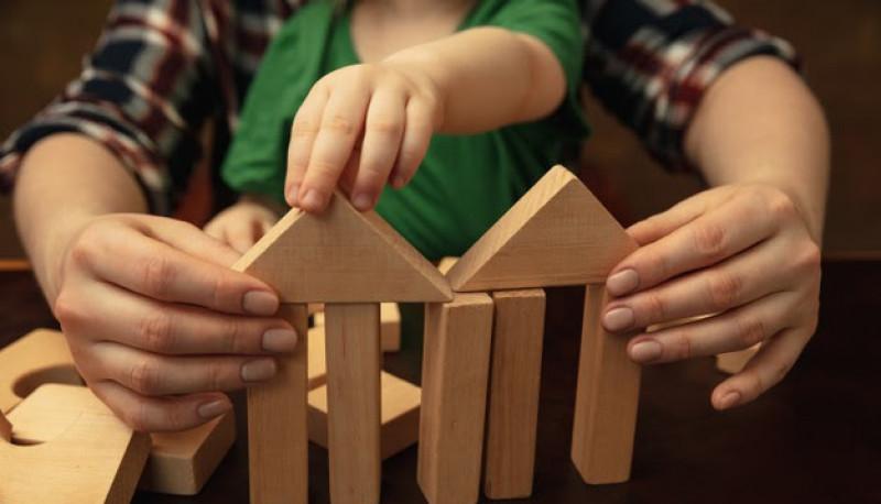 Ciudad de Mendoza: Crianza con sello propio, un programa de acompañamiento a la maternidad y la paternidad de adolescentes y jóvenes